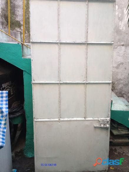 Puertas de metal con y sin vidrios 6