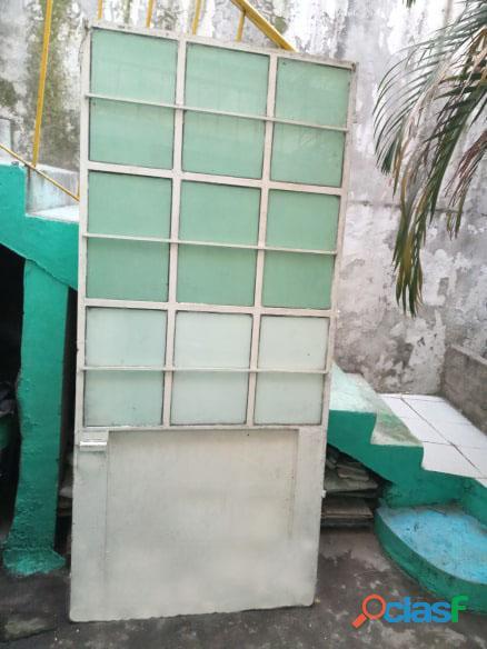 Puertas de metal con y sin vidrios 5