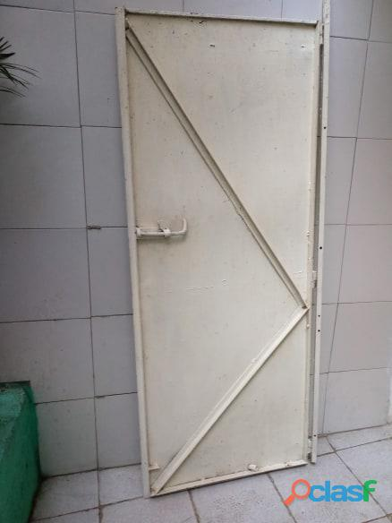 Puertas de metal con y sin vidrios 4