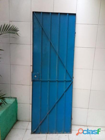 Puertas de metal con y sin vidrios 2