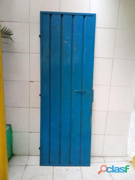 Puertas de metal con y sin vidrios 1