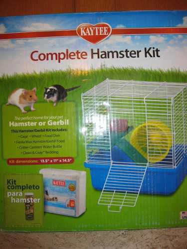 Accesorios y jaula armable para hamster