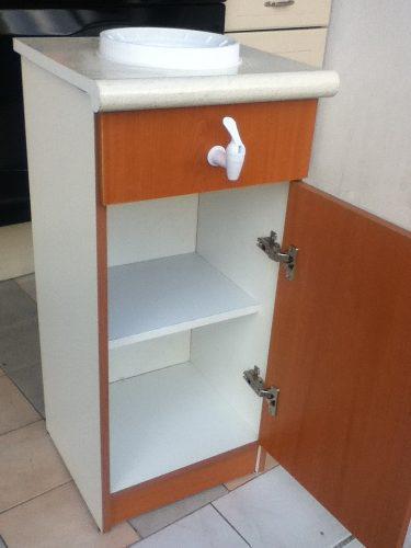 Mueble para garrafon de agua vv4