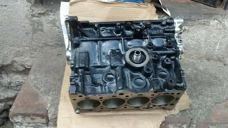 Medio motor de chevy 1.4 c.c. todo en std.