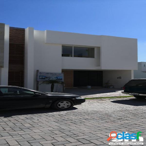 Casa en venta ubicada en el fraccionamiento arboreto (sc-2003)