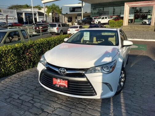 Toyota camry xle navi 2015