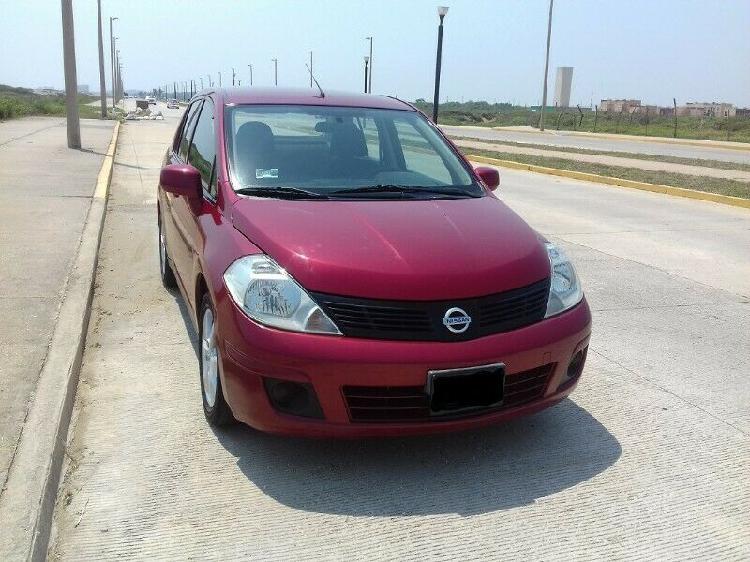 Nissan tiida sedán 2013