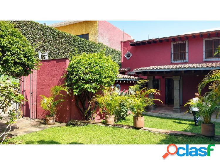 Casa sola en venta en delicias cuernavaca