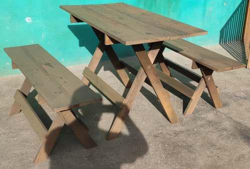 Mesa con 2 bancas plegables acabado rústico de madera