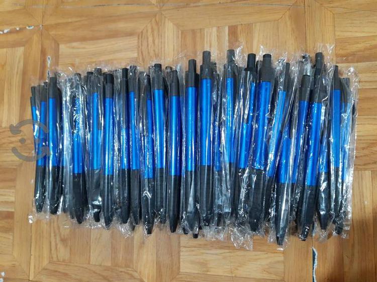 Remato lote de 100pz. de plumas tinta negra