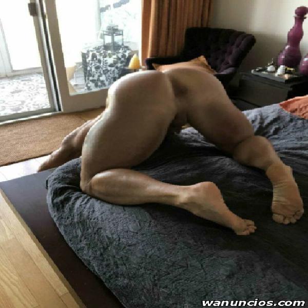 Hombre acompañante y masajista para hombres. trató atento.