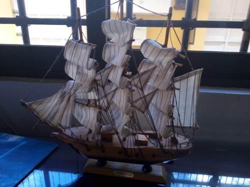 Réplica barco de vela