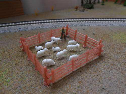 10 ovejas escala ho 1/87 + corral economico escala ho 1/87