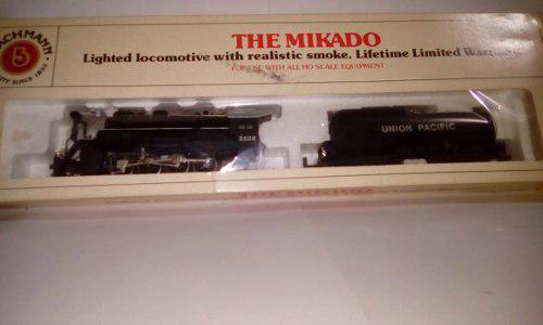 Maquina de vapor the mikado 2-8-2 con luz y humo 1/87