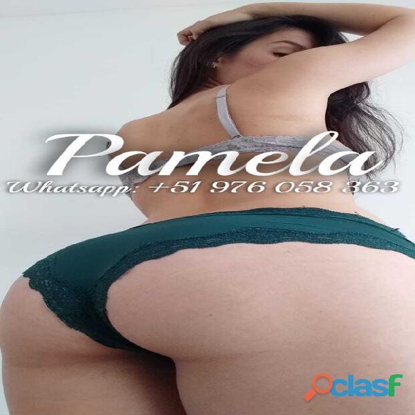Hermosa Chica Webcam con Ganas de Leche
