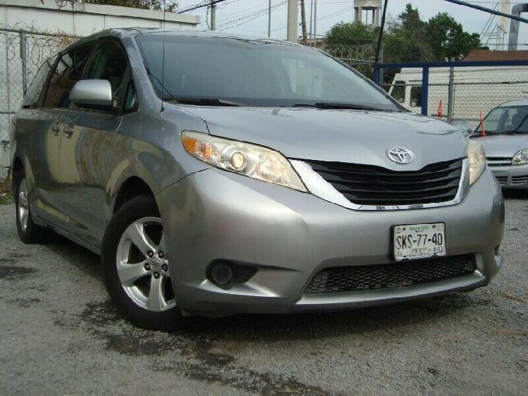 Toyota sienna 2011 ta