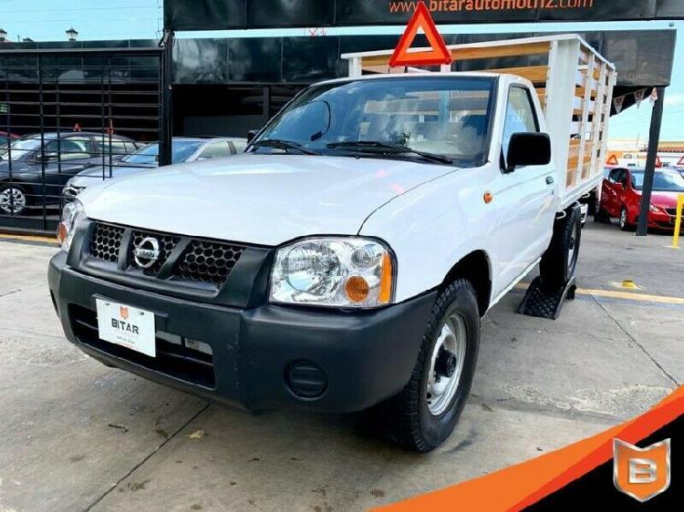 Nissan np 300 estacas 2015 lista para trabajar!!