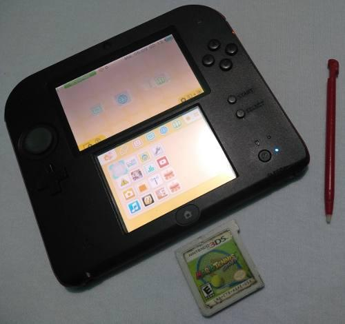 Nintendo 2ds con un juego