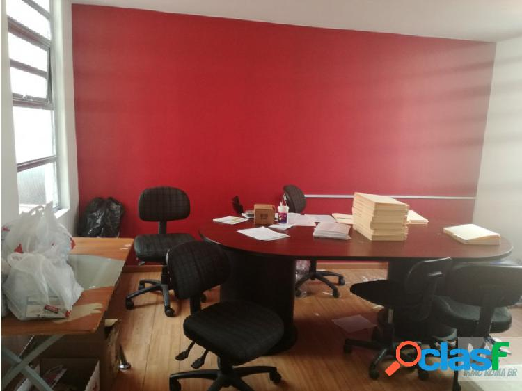 Oficina de 117 m2 frente al metrobus durango