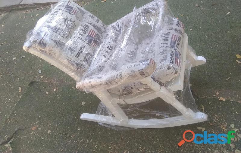 Preciosa silla mesedora