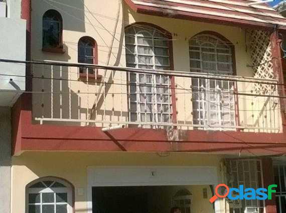 Casa con departamentos venta Col. Remes, Veracruz