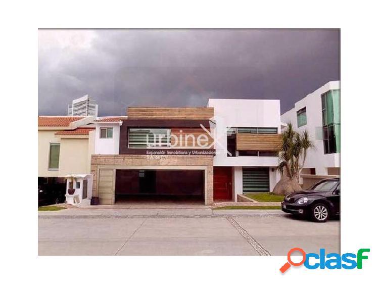 Urbinex Vende Casa en La Vista Country Club, San Andres Cholula cerca de C.C Angelopolis, Country Club la Vista