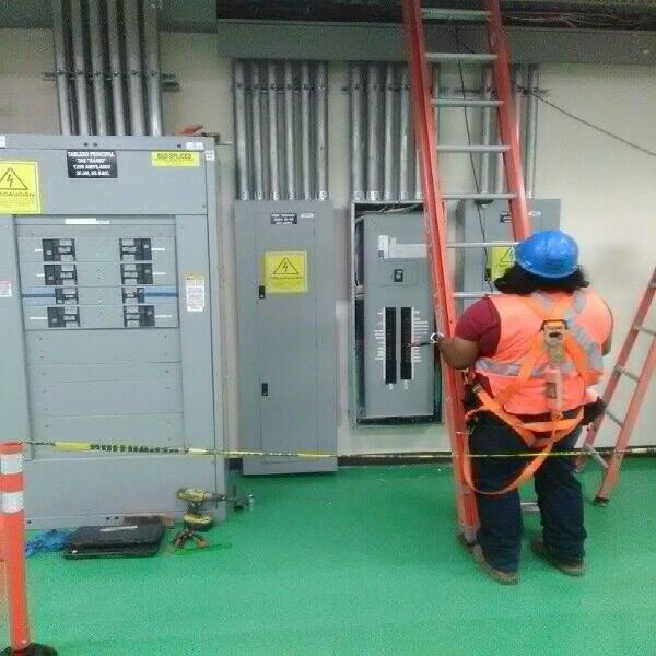 Electricista, instalaciones 220 v 480 v, instalación y