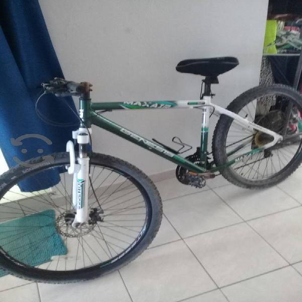 """Bicicleta """"29 Genesis aluminio"""