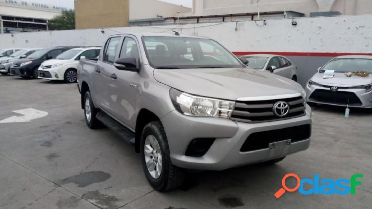 Toyota hilux doble cabina sr