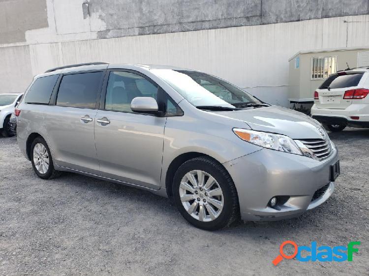 Toyota Sienna XLE PIEL