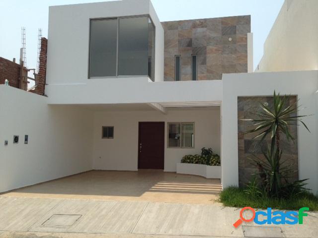 Casa sola en venta en fraccionamiento lomas residencial, alvarado