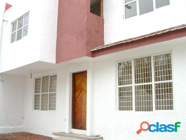 Casa sola residencial en renta en colonia san jerónimo, cuernavaca