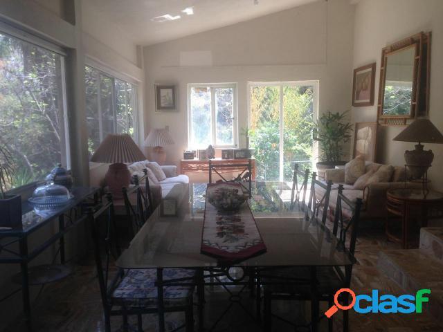 Casa sola residencial en renta en colonia jiquilpan, cuernavaca