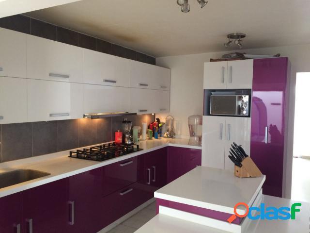 Casa sola residencial en venta en residencial santiago momoxpan, san pedro cholula