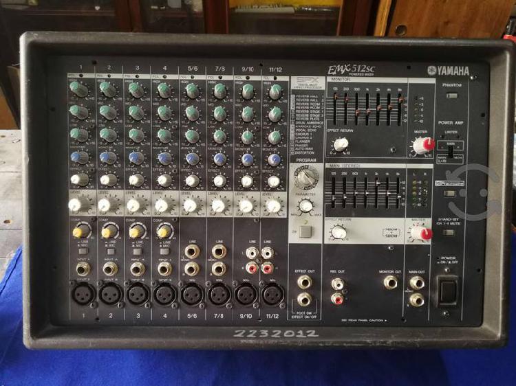Consola amplificada yamaha emx512sc 1000 watts