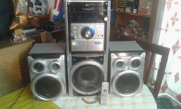 Estereo lg de 4200 watts, usb, mp3, radio y aux