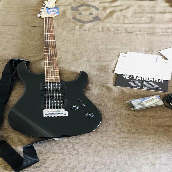 Guitarra eléctrica yamaha nueva