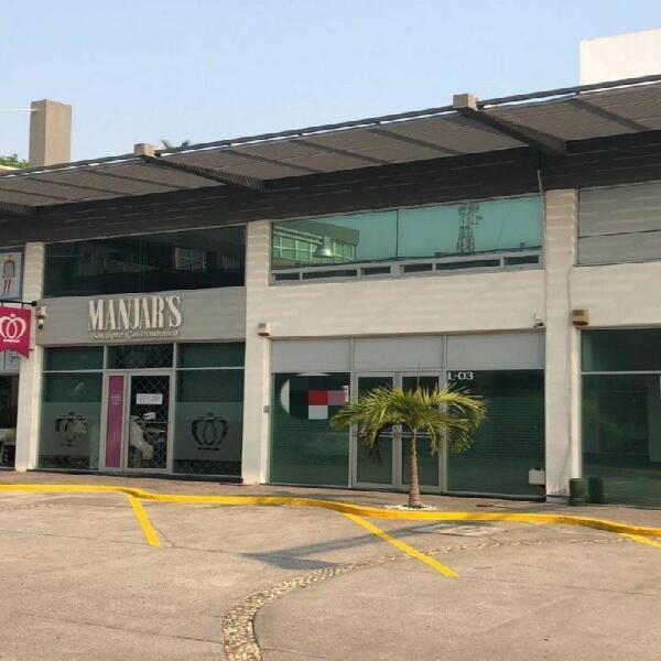 Local para oficinas de lujo, en plaza veleros, riviera