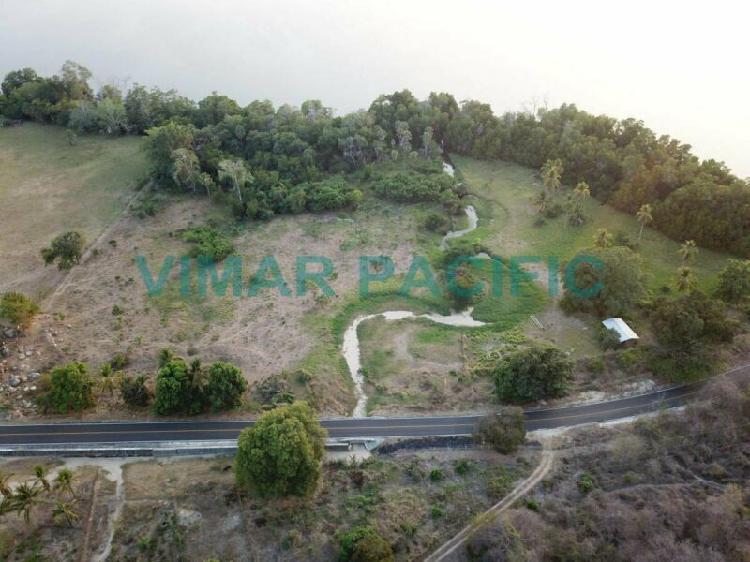 Lote a orilla de laguna de manialtepec oaxaca/ lot on the