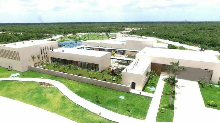 Lote de 598.24 m2 en privada norte merida cerca del yucatan