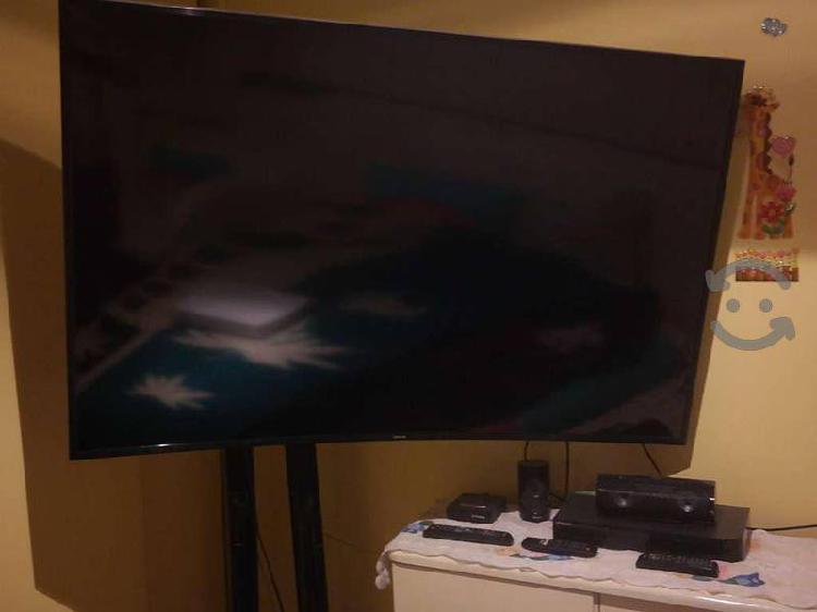 """Samsung smart tv de 65"""" 4k curva"""