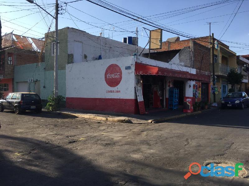 En venta casa col Lagos de Oriente 3 locales esquina 2