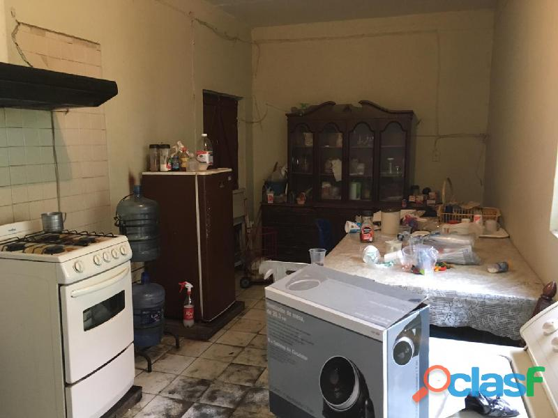 En venta casa col Lagos de Oriente 3 locales esquina 4