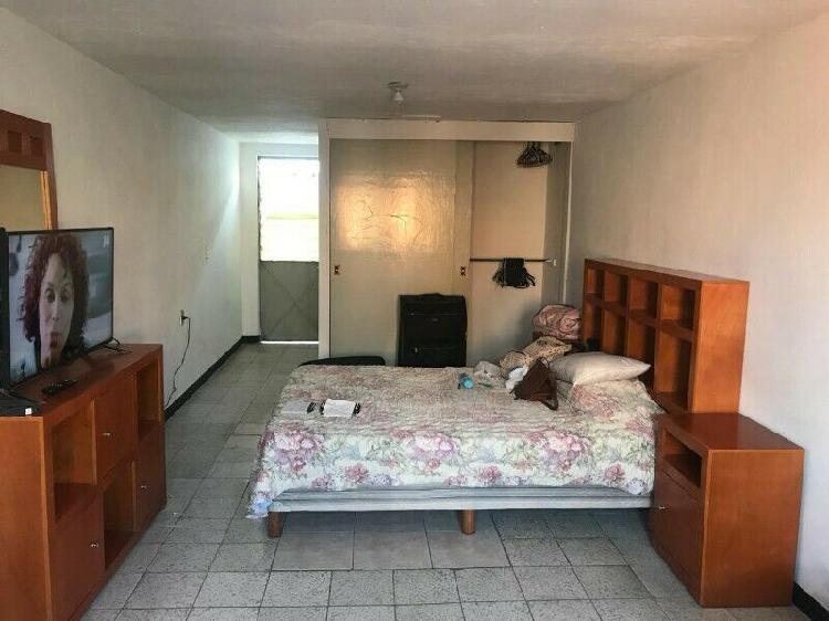 Rento habitación tipo estudio