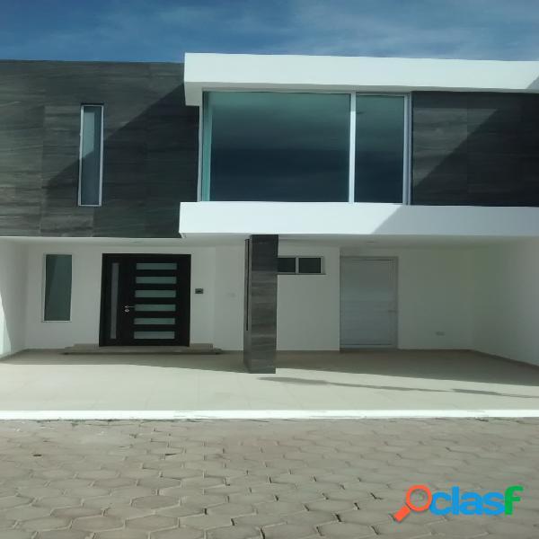 Casa con acabados de lujo en renta o venta