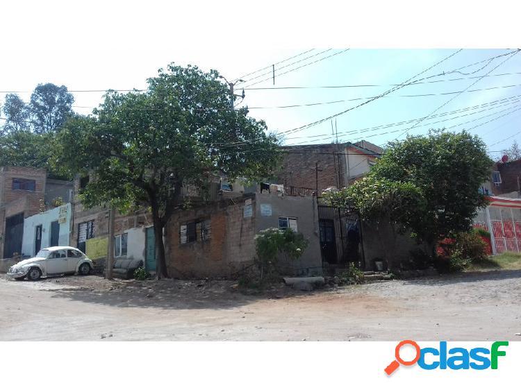 Casa en esquina 10x14 en tonala