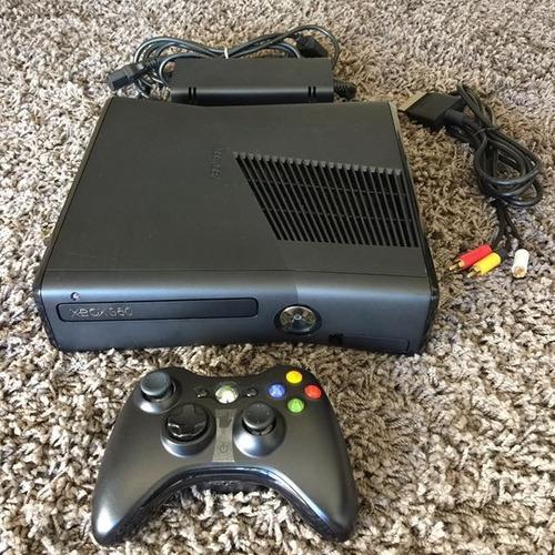 Xbox 360 slim completo con control,cables av y fuente de ali