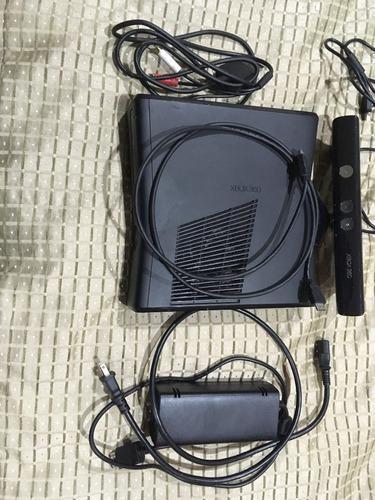 Xbox 360 slim con kinect, controles y juegos