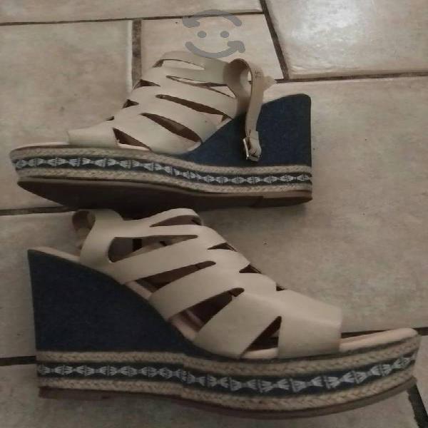 Bonitos zapatos y zapatillas