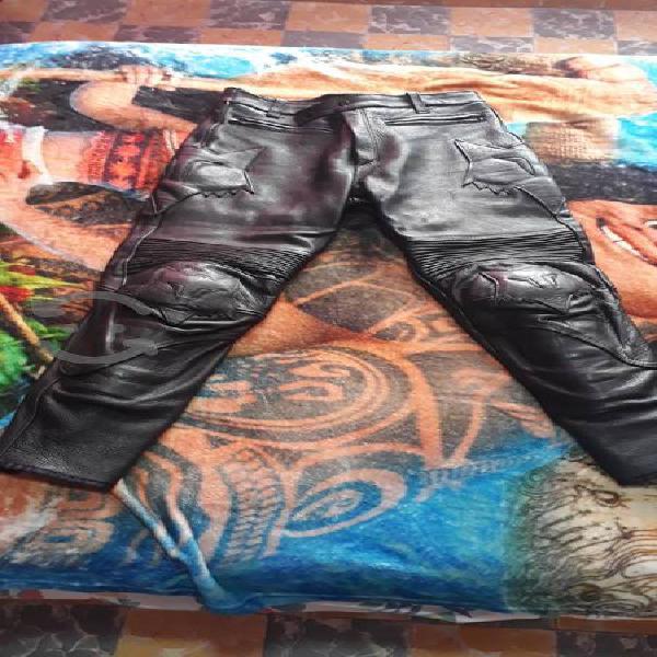 Pantalón para motociclista marca fox